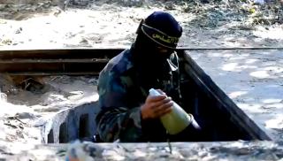 العدو يقرر ابعاد مواقع قواته عن غزة خشية هاون المقاومة