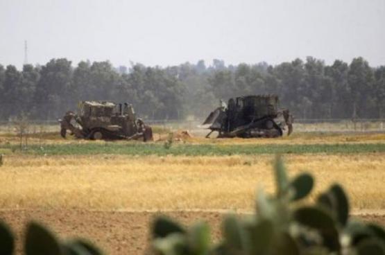 توغل محدود لجرافات الاحتلال شرقي خان يونس