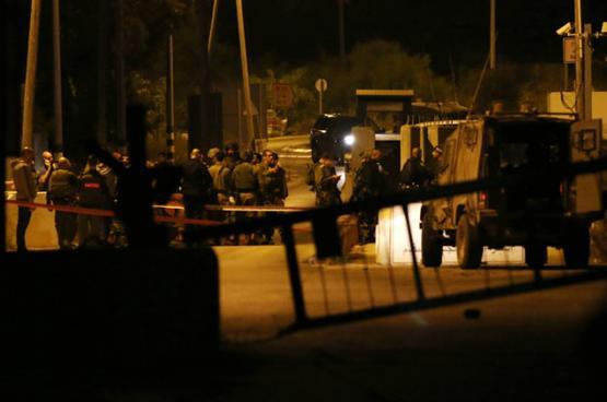 الاحتلال يزعم اعتقال خلية نفذت 7 عمليات فدائية بطولكرم