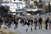 الاحتلال يعتقل شابين خلال مواجهات شمال قلقيلية