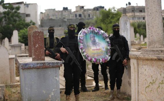 زيارة قبر الشهيد بهاء أبو العطا (18)