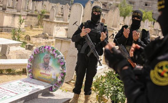 زيارة قبر الشهيد بهاء أبو العطا (7)