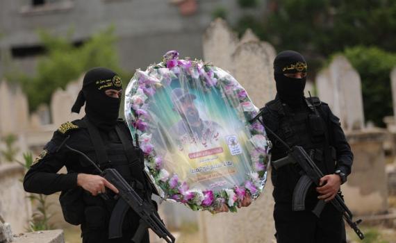 زيارة قبر الشهيد بهاء أبو العطا (2)