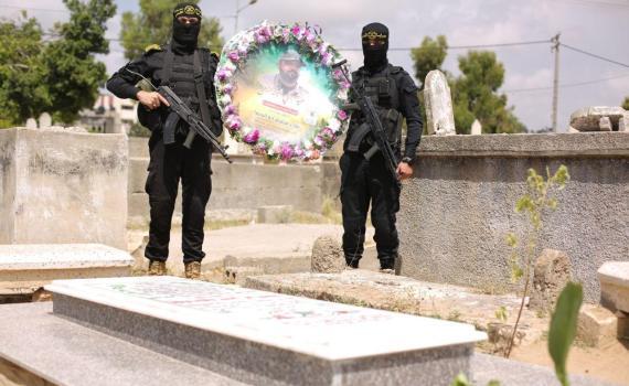 زيارة قبر الشهيد بهاء أبو العطا (6)