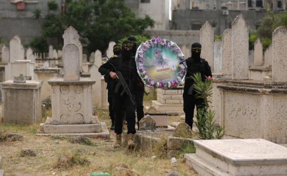 زيارة قبر الشهيد بهاء أبو العطا (10)