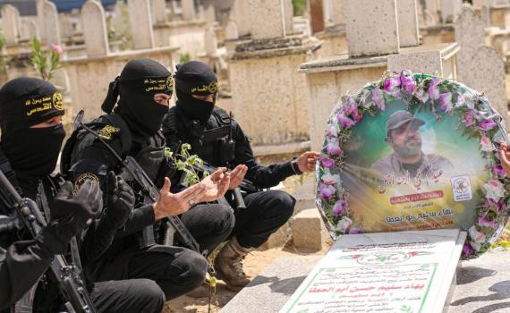 زيارة قبر الشهيد بهاء أبو العطا (5)