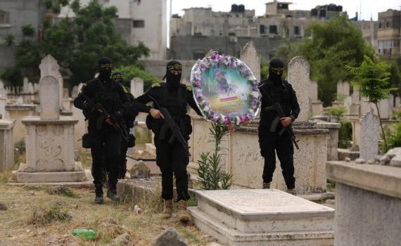 زيارة قبر الشهيد بهاء أبو العطا (13)