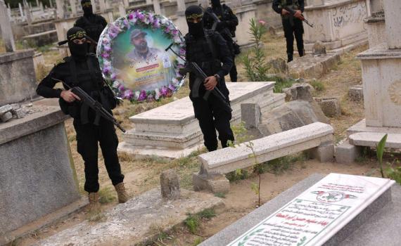 زيارة قبر الشهيد بهاء أبو العطا (3)