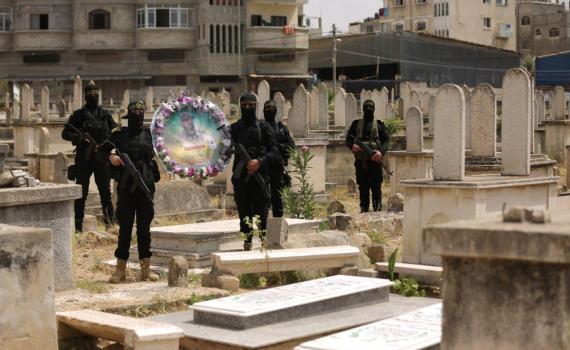زيارة قبر الشهيد بهاء أبو العطا (8)