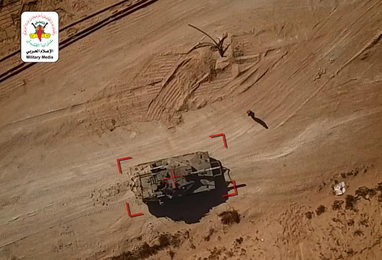 استهدف آليتين عسكريتين بواسطة طائرة مسيّرة لأول مرة